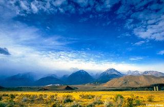 Mountain Cloud Scene