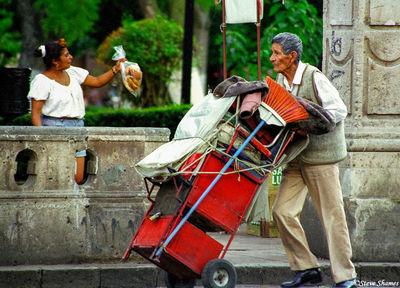 morelia town, mexico, clean up man