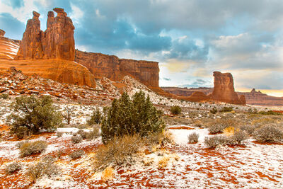 courthouse towers viewpoint, arches national park
