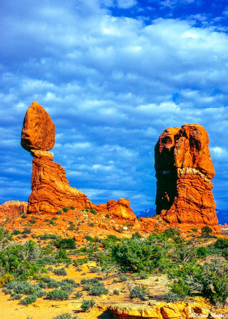 arches national park, utah, balancing rock, photo
