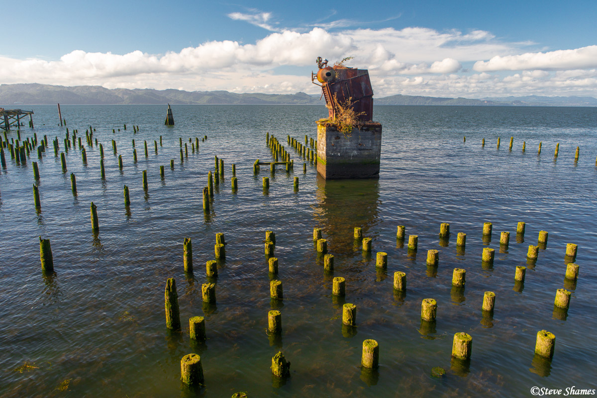 An interesting scene, in my opinion, along the Astoria riverwalk. This is the mouth of the Columbia River.