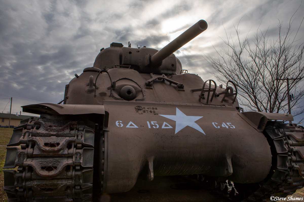 fort leonard wood, army base, tank, dramatic sky, photo