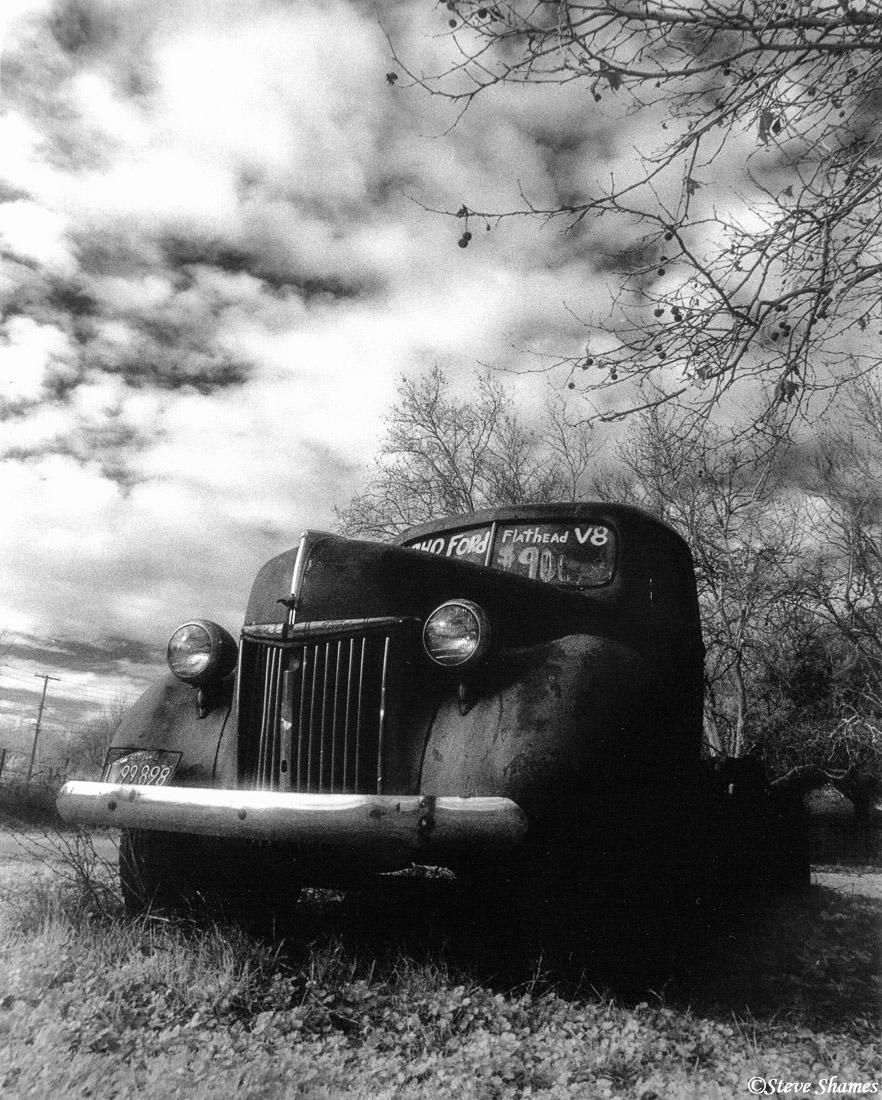 rio linda california, old ford, photo
