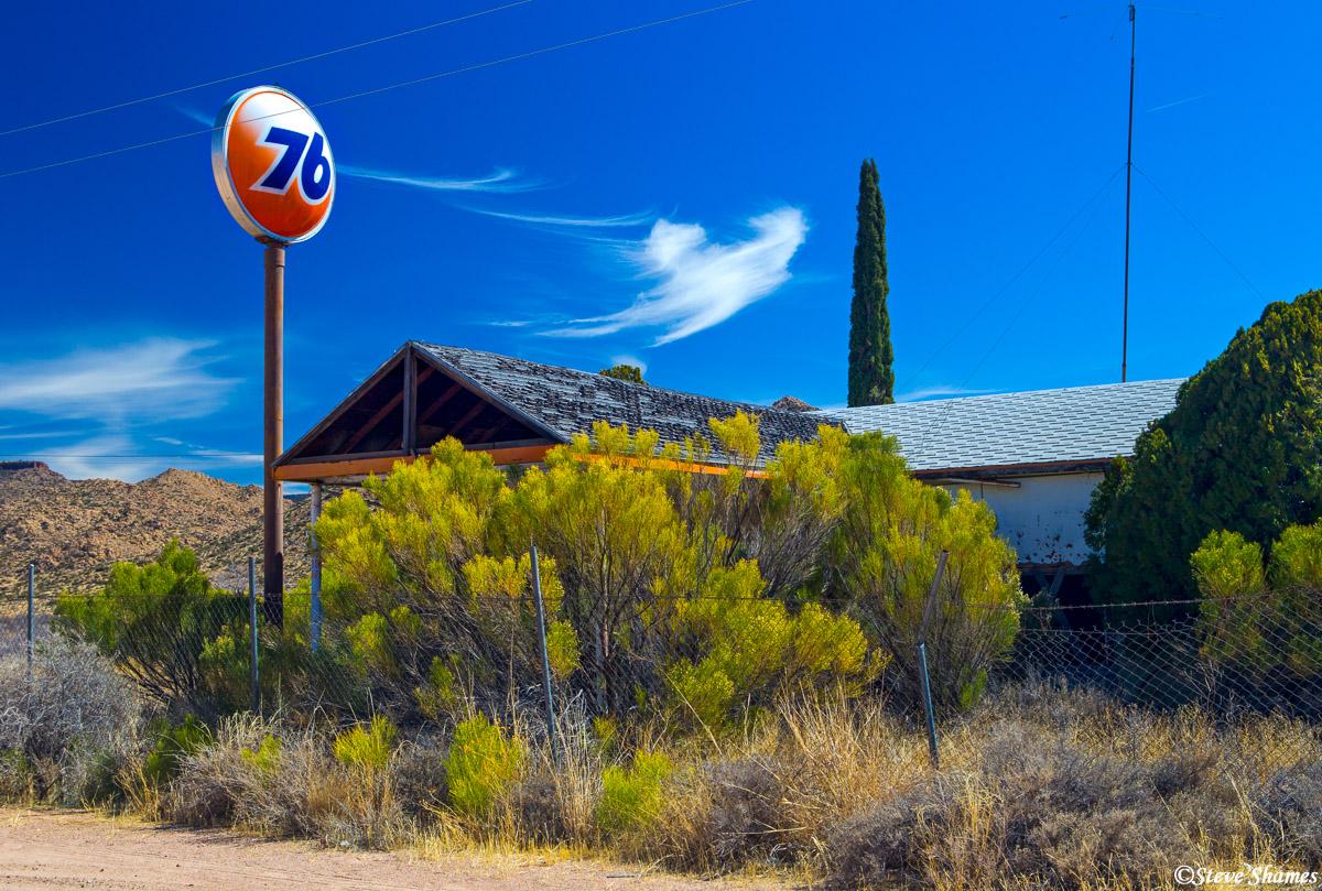 route 66, arizona, abandoned gas station, photo