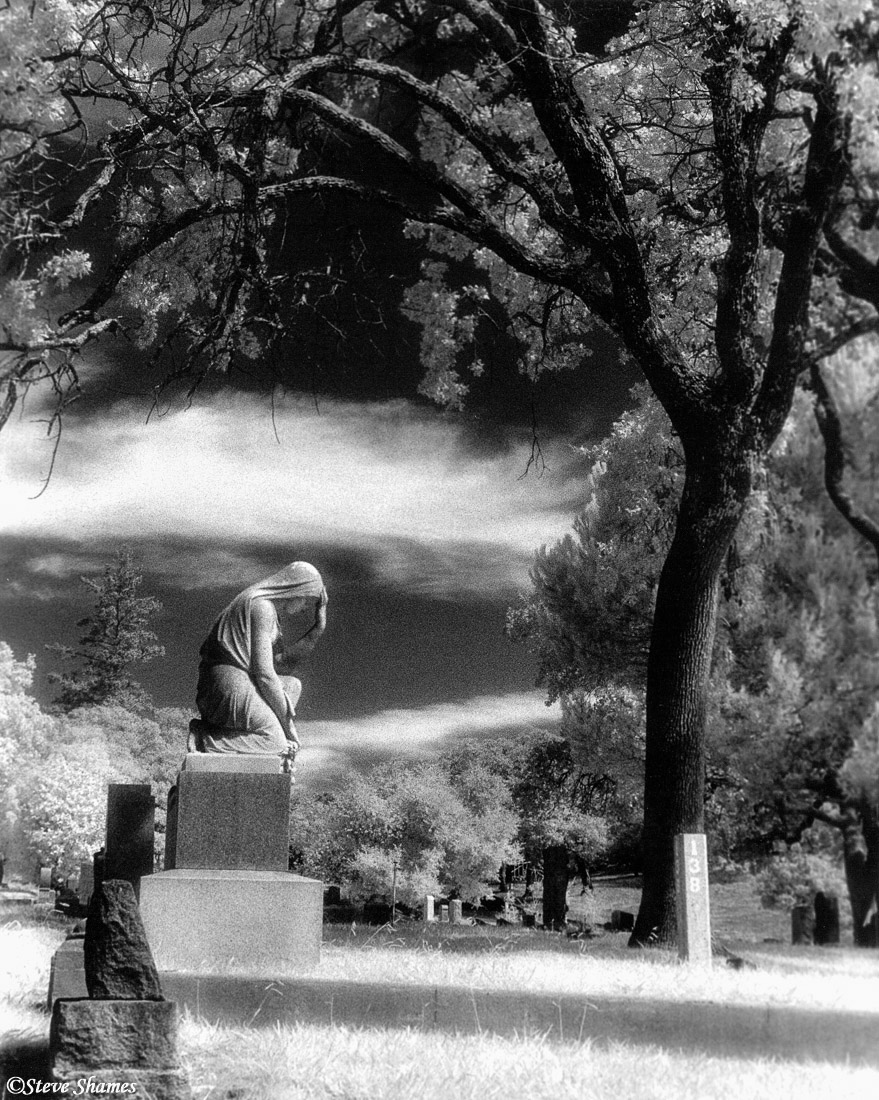 napa valley, northern california, cemetery, praying lady, photo