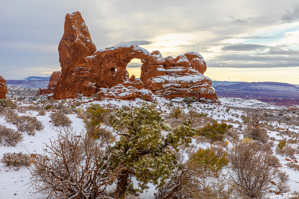 Turret Arch with a beautiful coating of fresh snow.